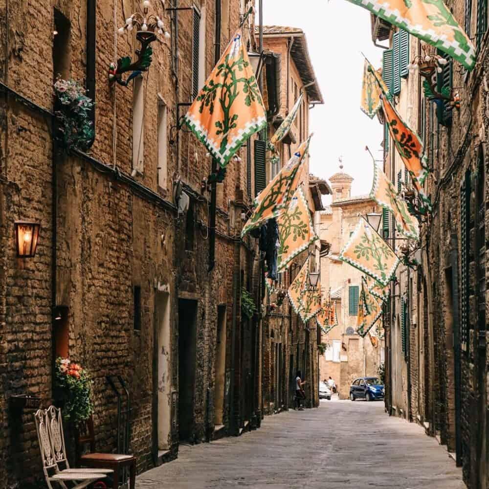 Palio di Siena road