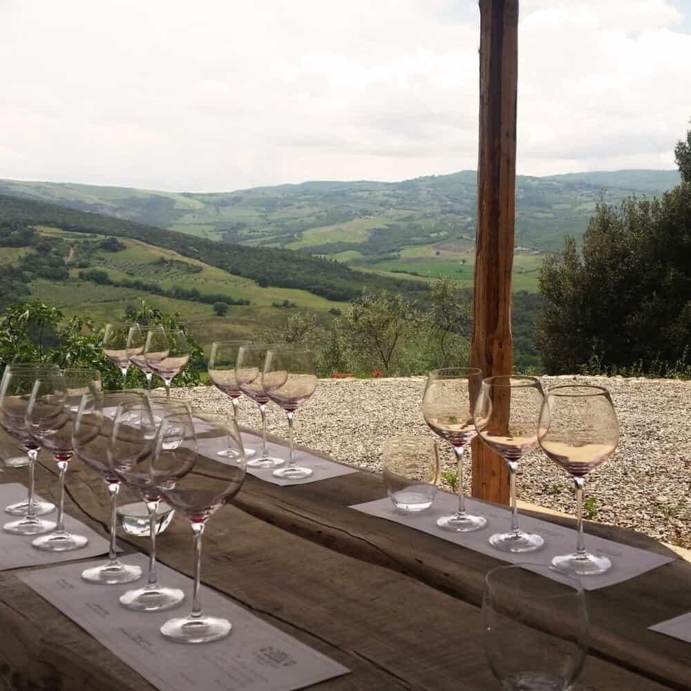 wine tasting tour montalcino